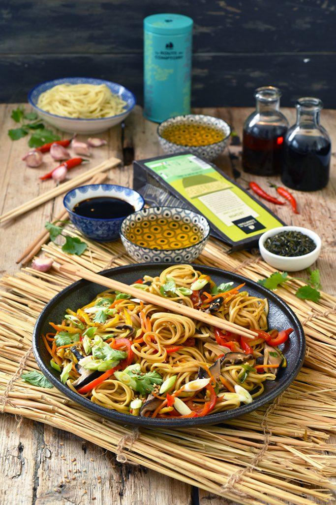 Nouilles lo mein pour un dîner en amoureux du côté de la Chine...